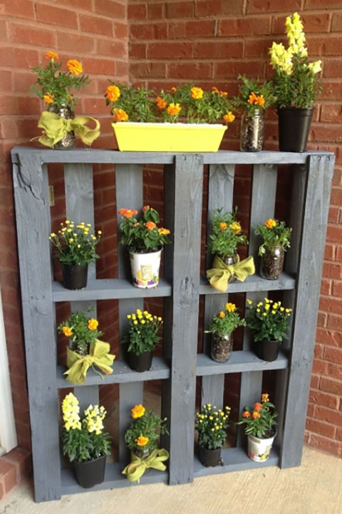 Paint An Old Pallet And Show Off Your Favorite Flowers Near Your Front Door  Or In A Corner Of Your Garden. The Vertical Display Takes Up Very Little  Space, ... Part 45