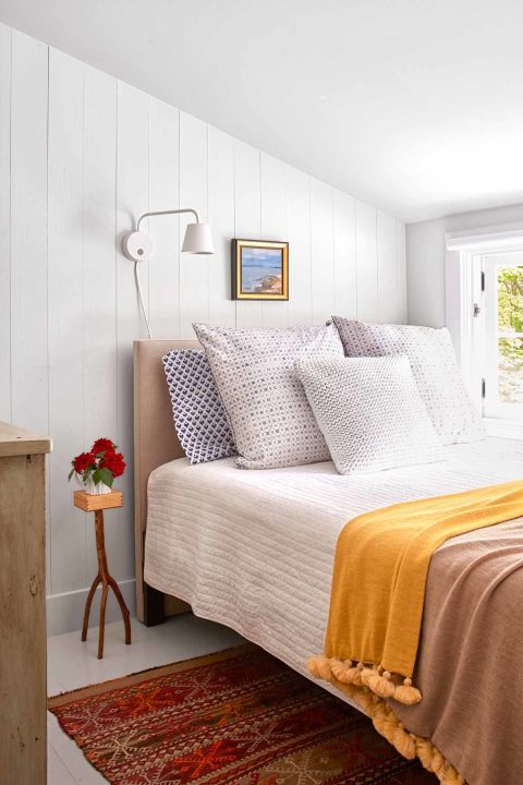 Small Guest Bedroom Ideas Fascinating 39 Guest Bedroom Pictures  Decor Ideas For Guest Rooms Design Inspiration