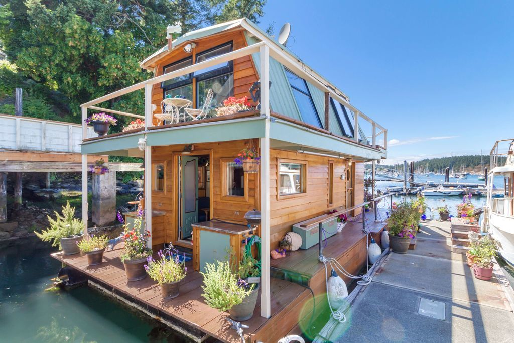 This Gorgeous Tiny House Floats On Water And We Re