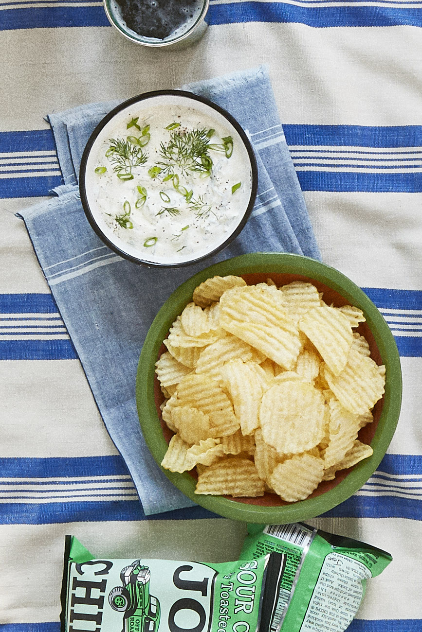 Countryliving Food Drinks Recipes A Dill Scallion Dip Recipe