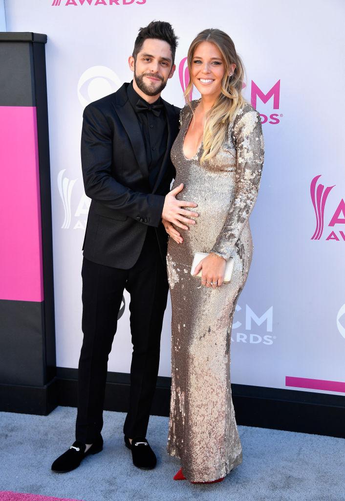 Thomas Rhetts Wife Lauren Akinss Baby Bump Is The Star