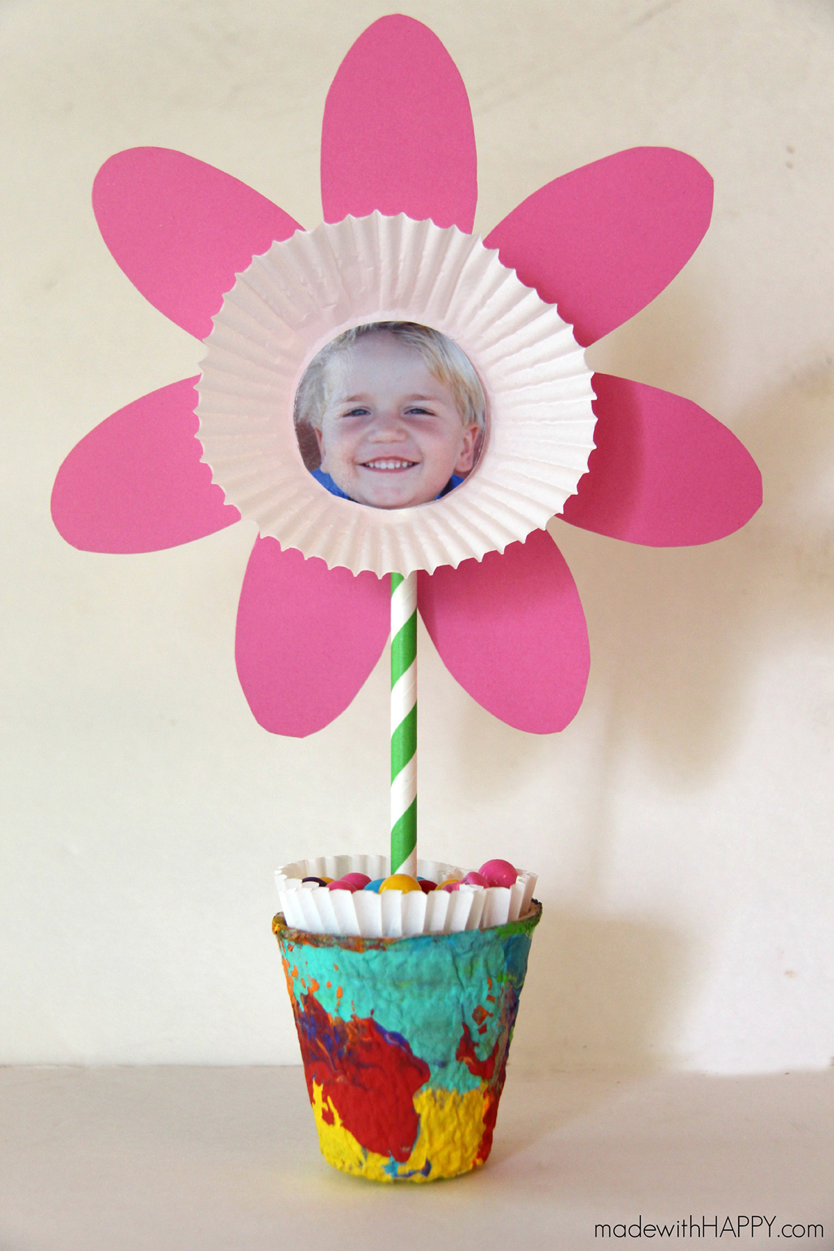 10 Cute Mother S Day Crafts For Kids Preschool Mothers