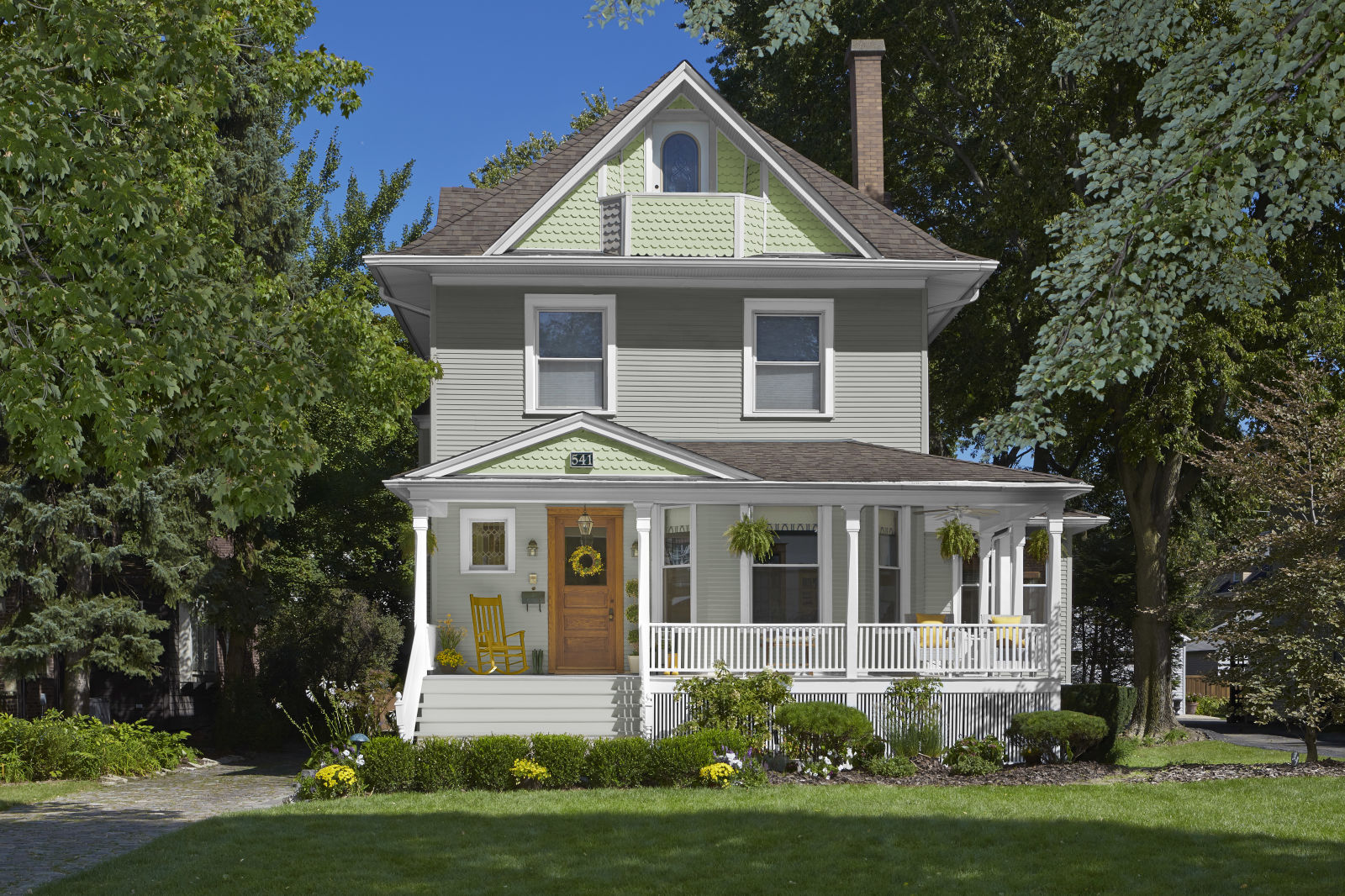 5 Best Home Exterior Paint Colors For Spring What Colors To Paint A House