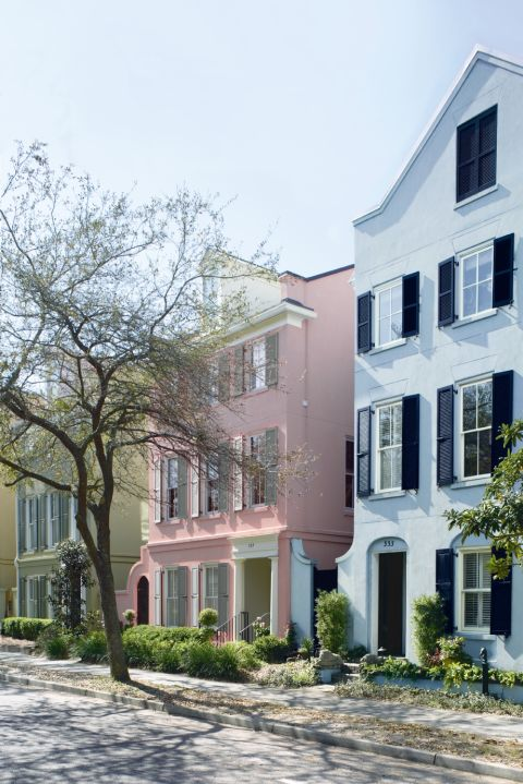 working with colors inspired by the natural landscape creates an instant connection to the exterior of the home is always a good route to take - Best Exterior Paint Combinations