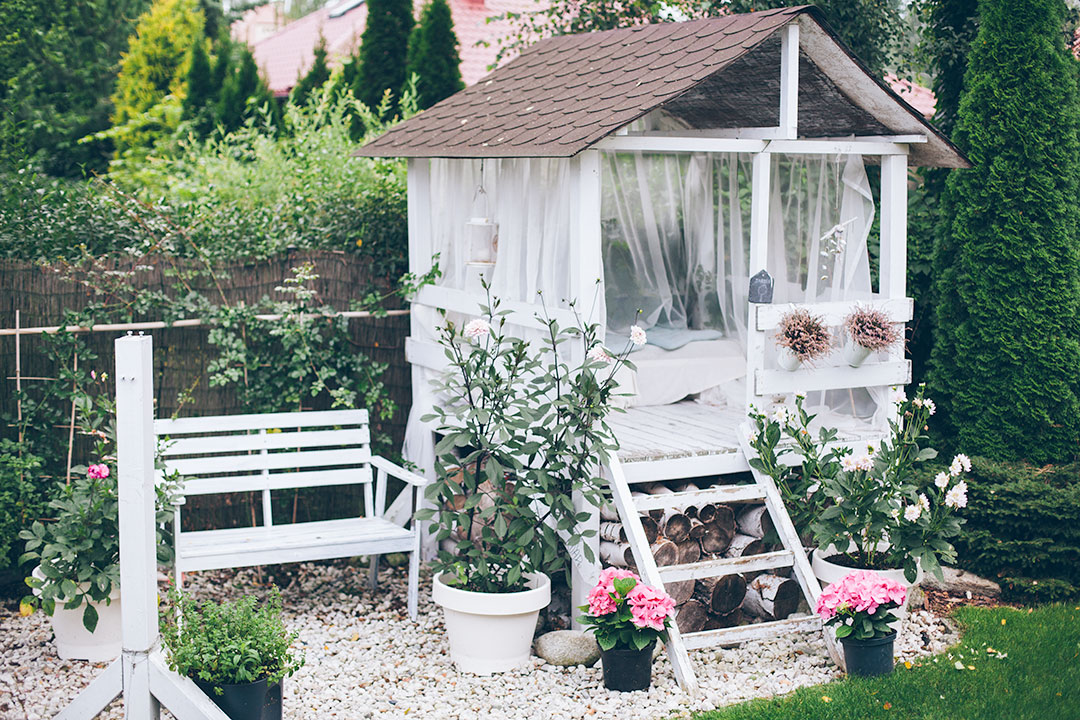 The Pretty Playhouse In This Enchanting Garden Is Every Little Girl S Dream Beautiful Garden
