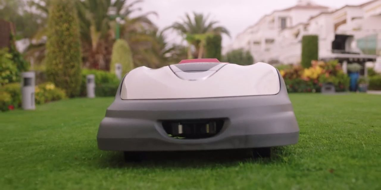The Roomba For Lawns Is Finally Here Honda Miimo Lawn