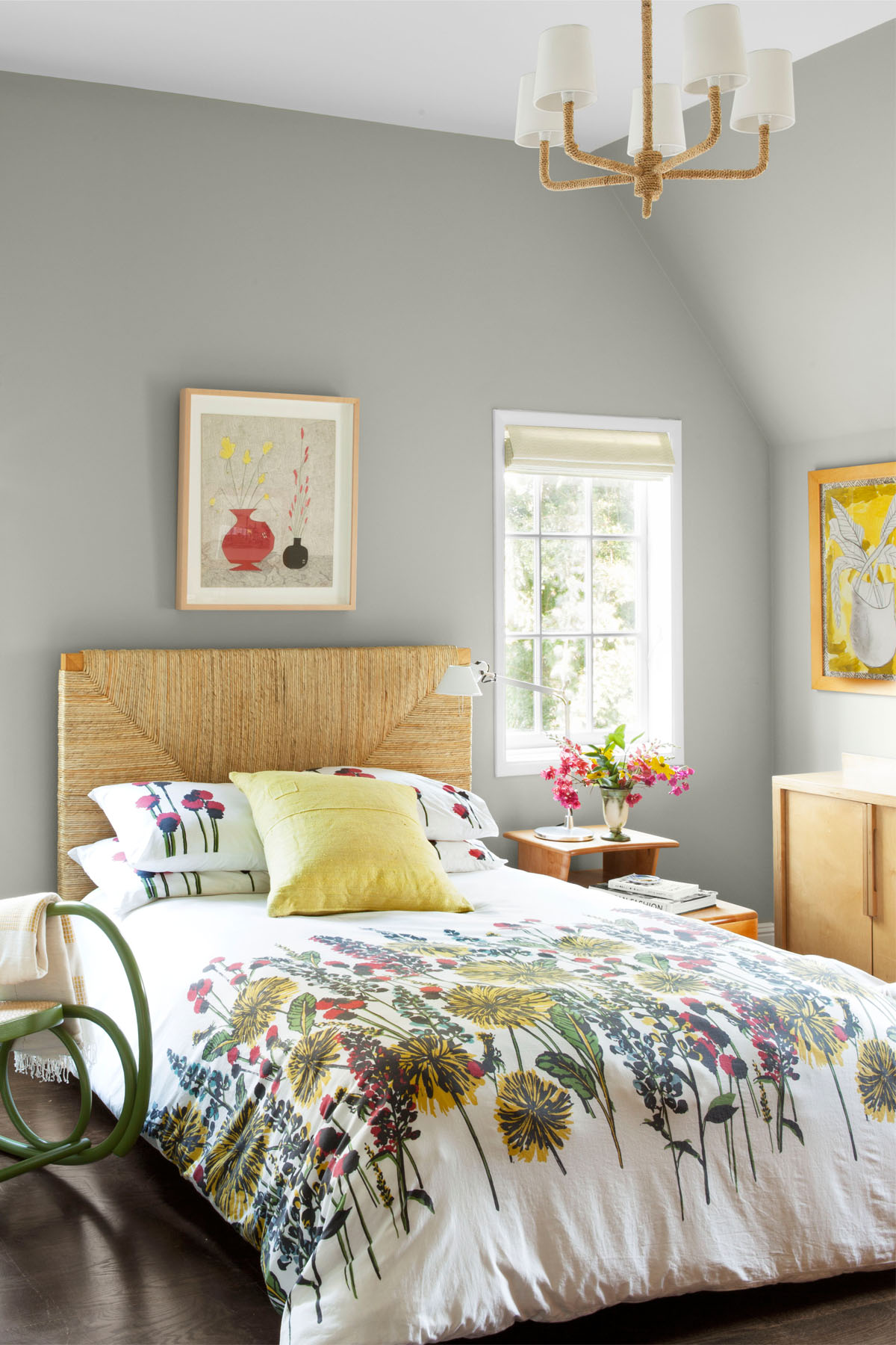 10 Gray Bedroom Decorating Ideas
