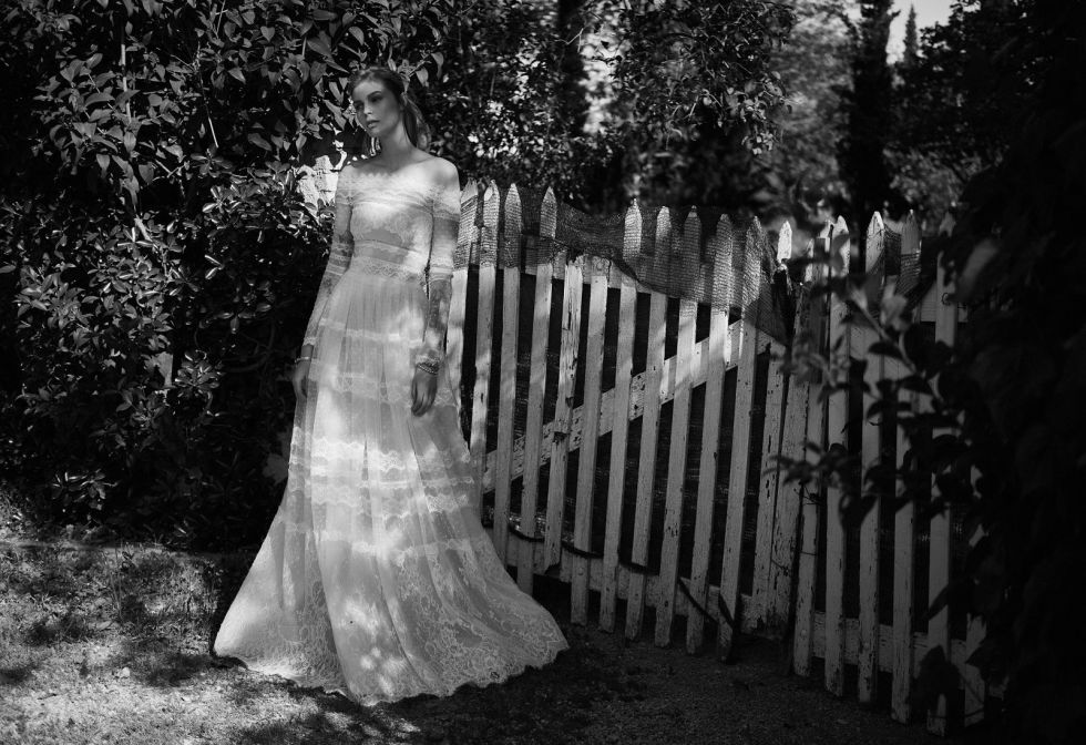 25 gorgeous country style wedding dresses 2017 rustic dress ethereal and earthy this lace off the shoulder gown by up and coming bridal designer christos costarellos would be a perfect fit for a farm wedding junglespirit Choice Image