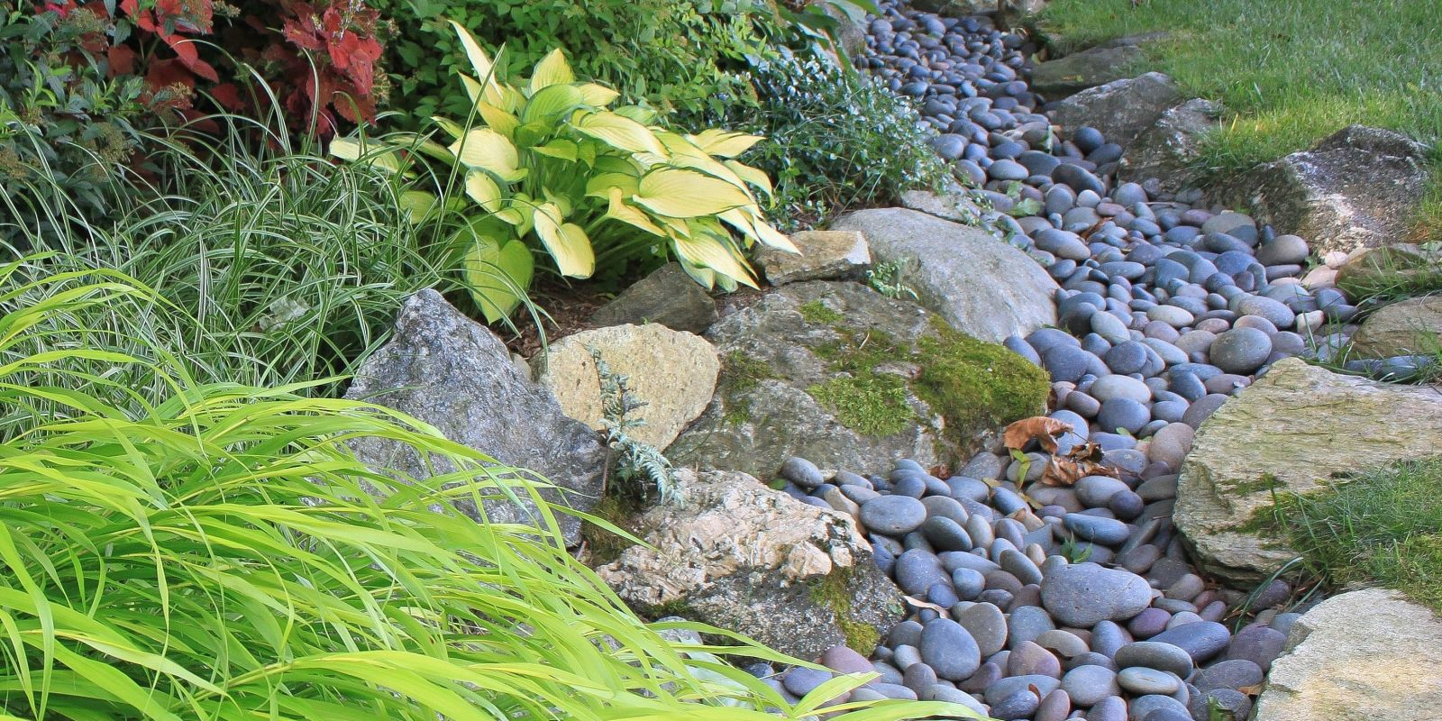 Ways To Use Stones And Rocks In Your Yard