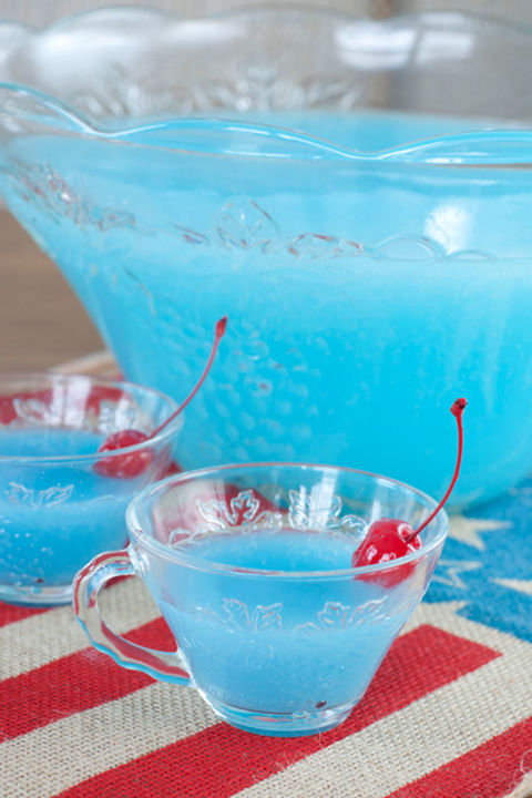 4th of july gathering 15 easy 4th of july drinks recipes for fourth of july drink ideas