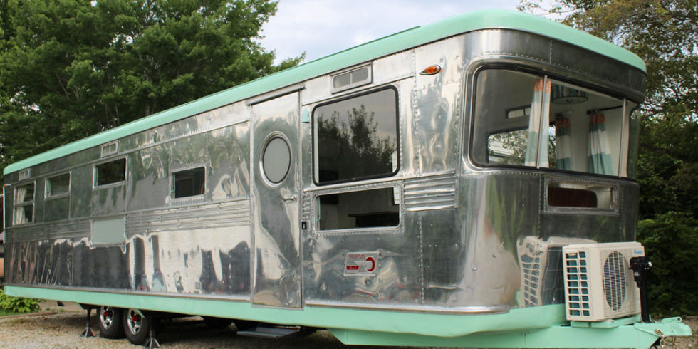 This Vintage 1955 Spartan Royal Mansion Trailer May Be Tiny But It Sure Packs A Punch