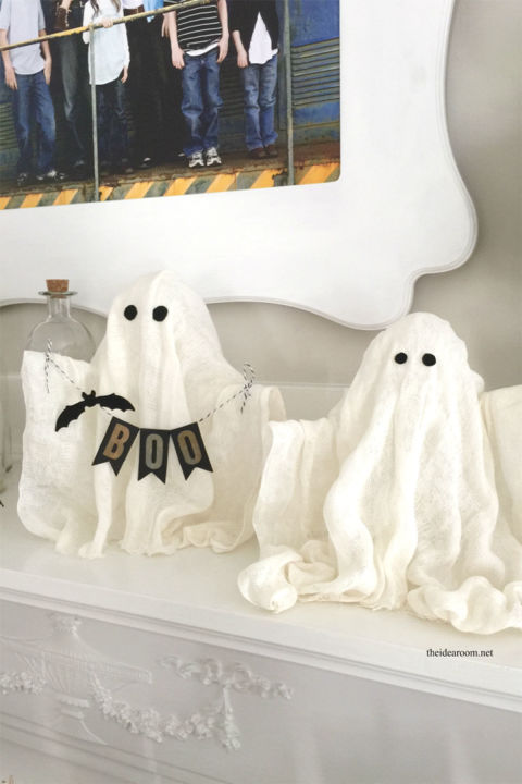 These easy-to-create ghosts will make the perfect addition to your Halloween mantle. Get the tutorial at The Idea Room. What you'll need: liquid starch ($7; amazon.com), cheesecloth ($6; amazon.com), small balloons ($4; amazon.com), mason jars ($20 for 15; amazon.com), pipe cleaners ($2; amazon.com)