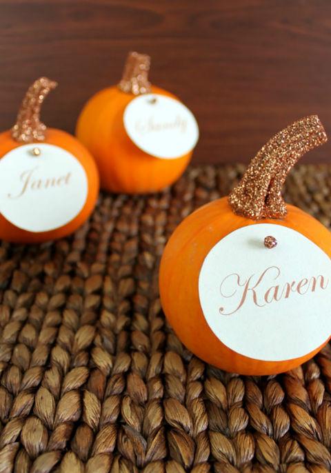 glitter top pumpkin place cards
