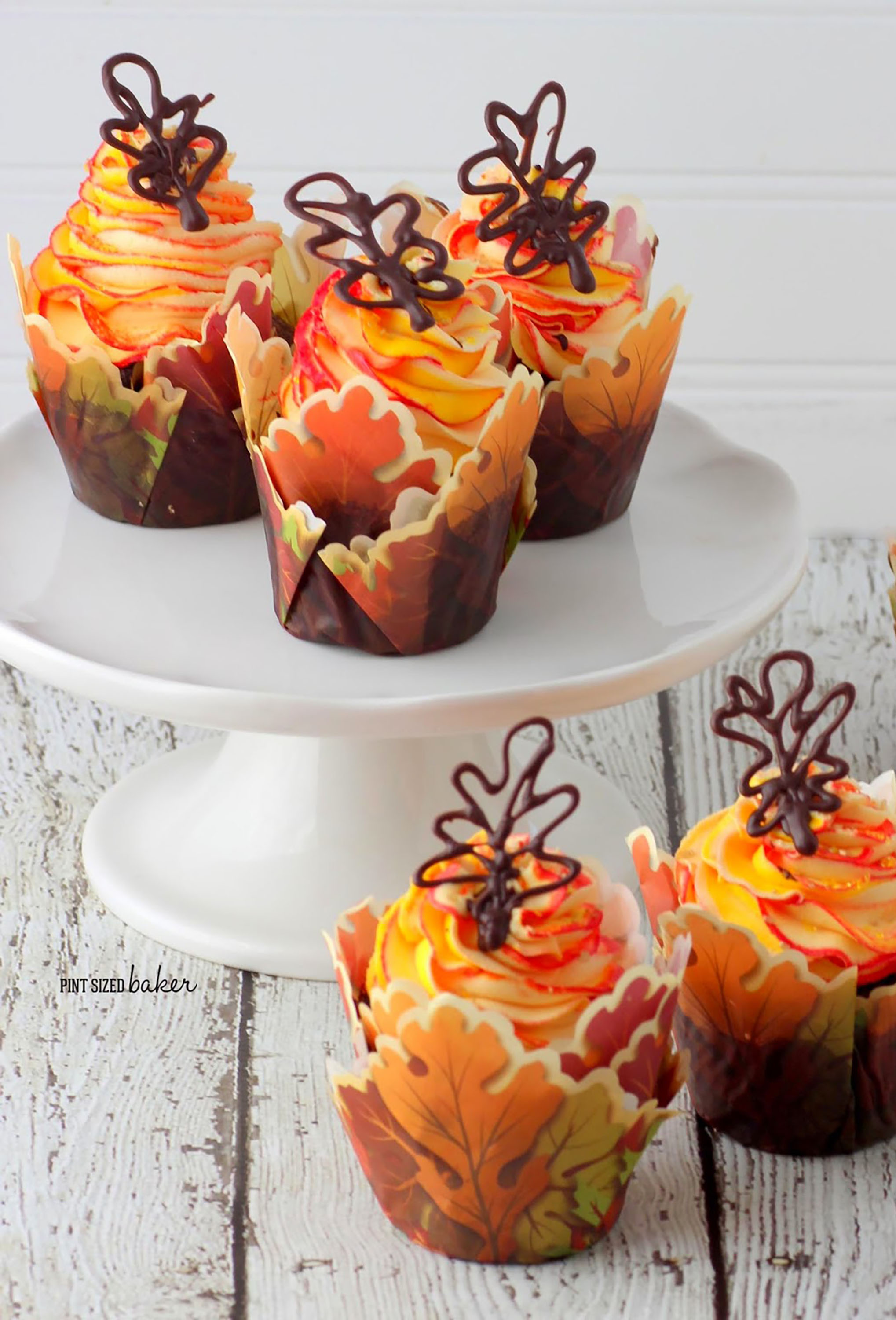Fall Cupcake Decorations Part - 40: Best Fall Flavored Cupcakes And Decorating Ideas - Recipes For Easy Autumn  Cupcakes