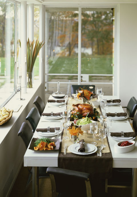 The holidays are a funopportunity to go beyond the everyday dishes and placemats. There's nothing like walking into someone's home and seeing a welcoming table perfectly set and ready to go. What you'll need: The Pioneer Woman rose shadow 12-piece dinnerware set ($62,amazon.com)