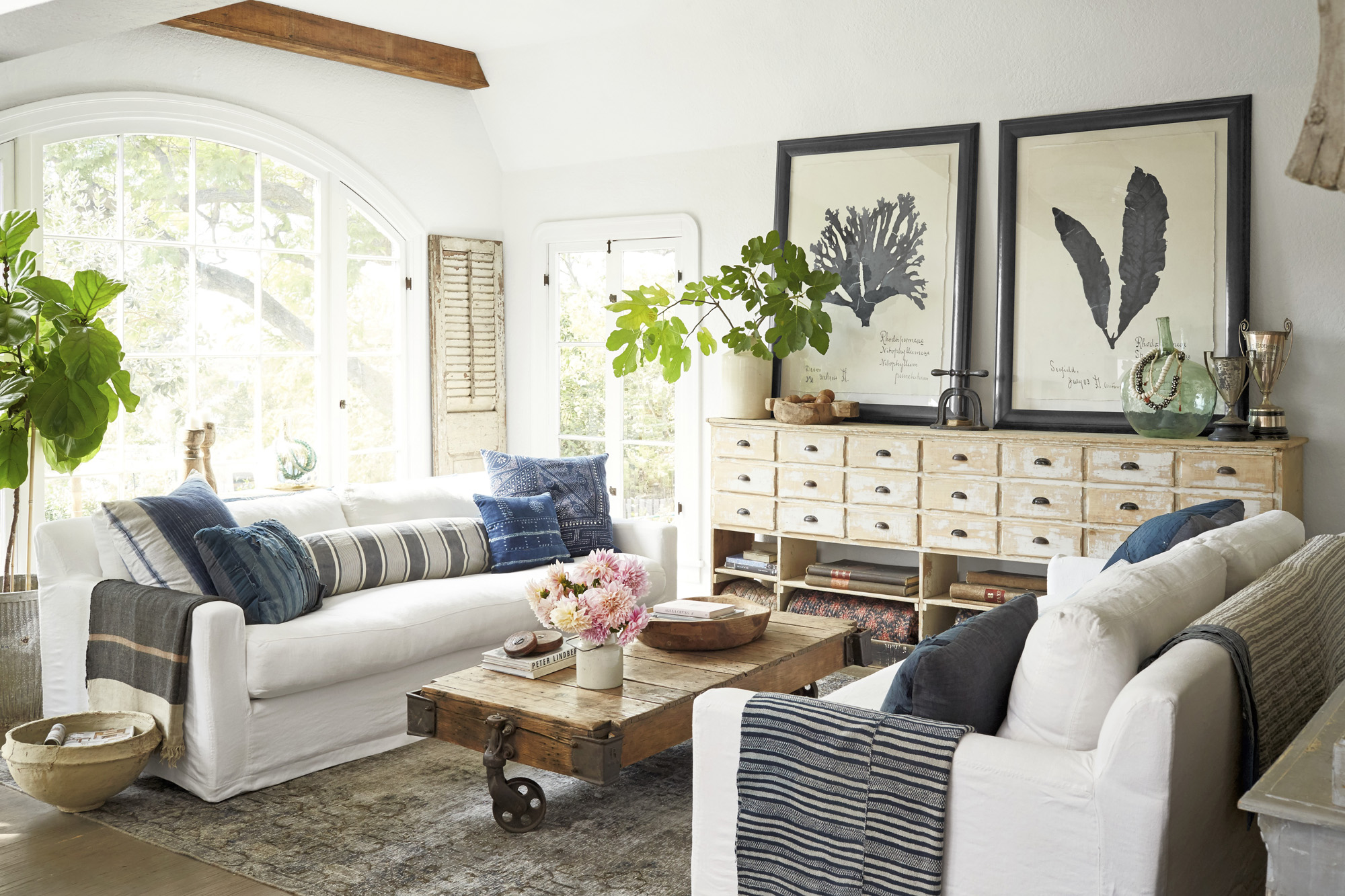 20 Grey Living Room Ideas For Gorgeous And Elegant Spaces: Jeni Maus California 1920s Cottage