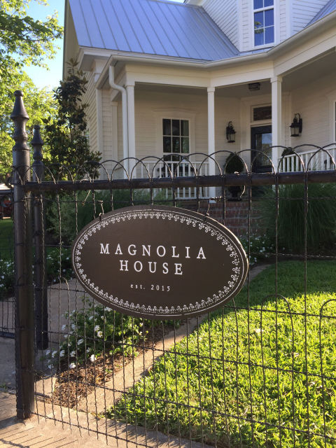 What to know before staying at magnolia house bed and for Magnolia house bed and breakfast mcgregor texas
