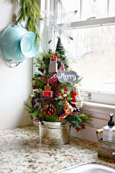 Awesome Small Decorated Christmas Tree Part - 13: Kitchen Christmas Tree