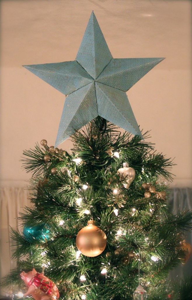 20 Unique Christmas Tree Toppers Cool Ideas For Tree Toppers - Make A Christmas Star Tree Topper