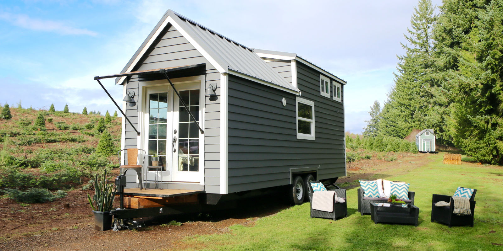 5 things you need to know about hgtv 39 s 39 tiny luxury - Tiny house espana ...