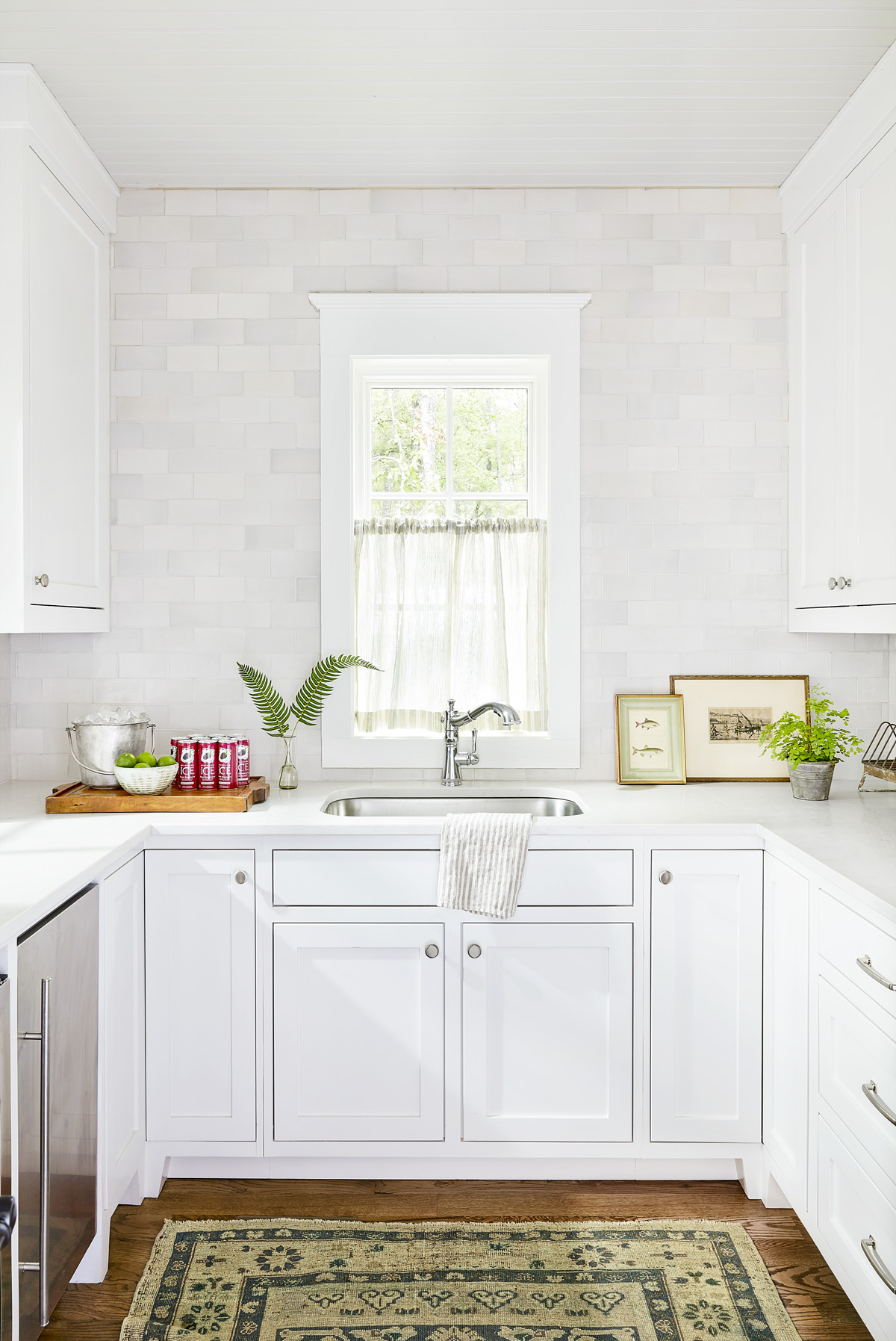 Pictures Of White Kitchen Design