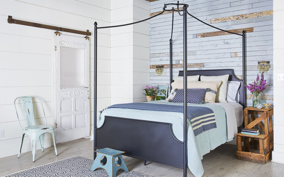 8 Homey Bedroom Ideas That Will Match Your Style: Decorating Ideas For Blue Walls And