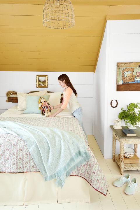 neutral paint colors for bedroom. Soft Gold 23 Warm Paint Colors  Cozy Color Schemes