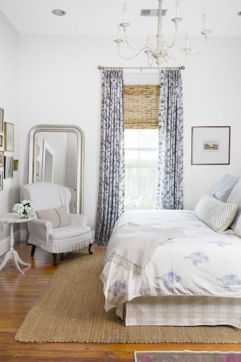 White Gloss Bedroom Furniture: How To Decorate A White Bedroom