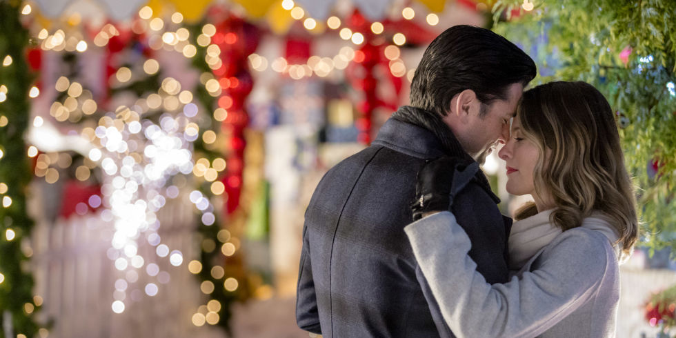 6 Hallmark Christmas Movies Filmed In Small Towns - Hallmark ...