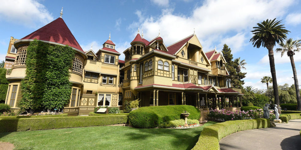 Winchester House  San Jose  California. The Bizarre Story Behind the Winchester Mystery House   Rifle