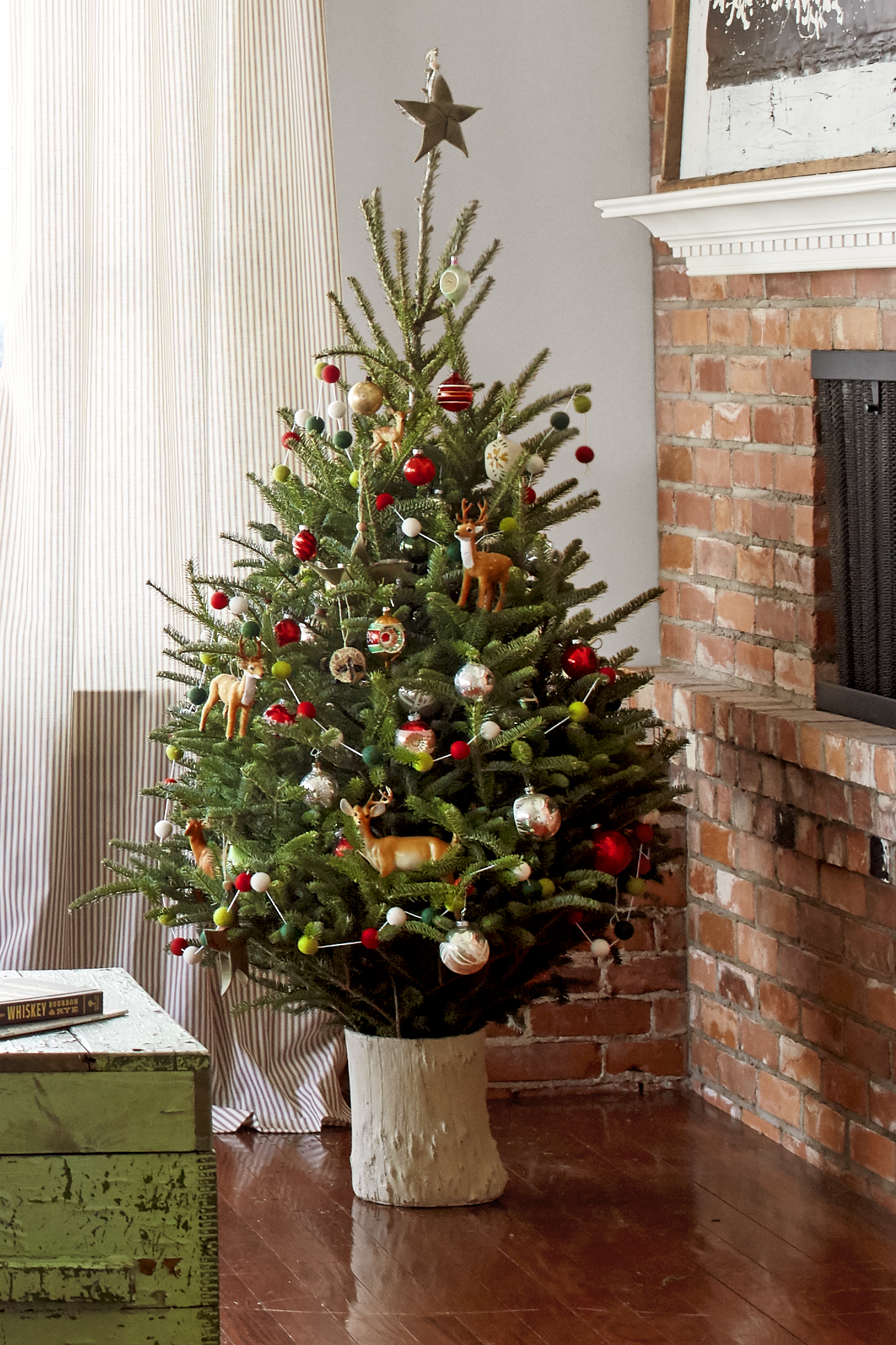 18 best small christmas trees ideas for decorating mini for Small decorated christmas trees