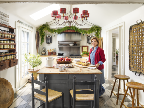 Peek Inside Nora Murphy S Connecticut Home That S Mad For