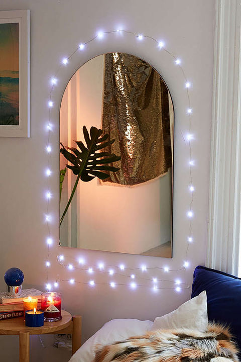 24 ways to decorate your home with christmas lights decorating ideas with led lights. Black Bedroom Furniture Sets. Home Design Ideas