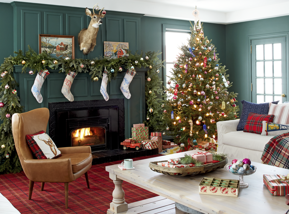 farmhouse family room christmas decorations