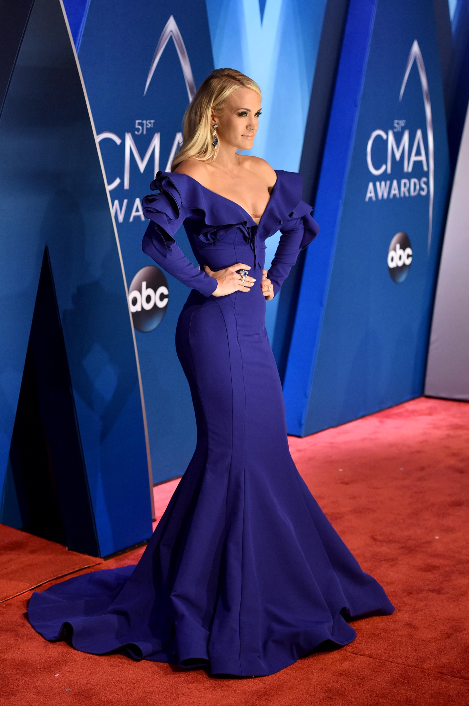 carpet 2017. 2017 cma awards red carpet - best-dressed country singers \u0026 celebrities