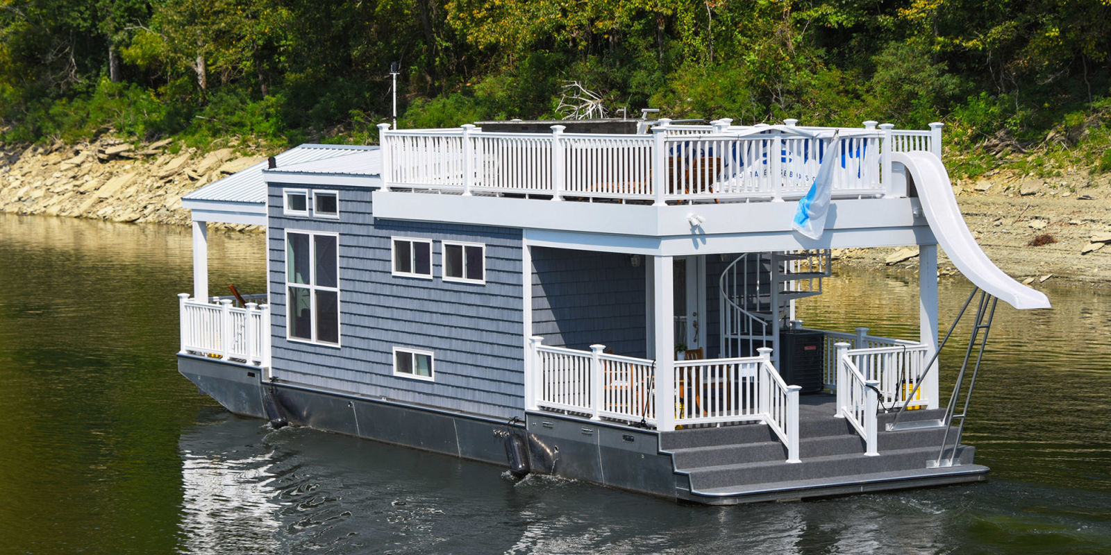 Tiny Houseboat On Water Houses