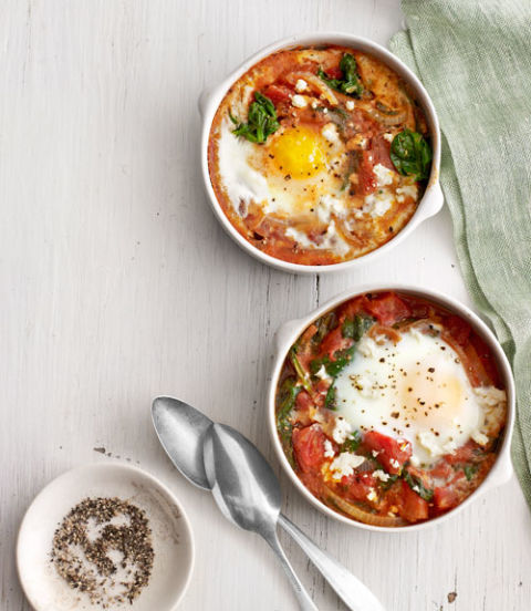 A flavorful and hearty breakfast or brunch (or even easy dinner) dish sure to impress. Recipe: Baked Eggs with Spinach and Tomato