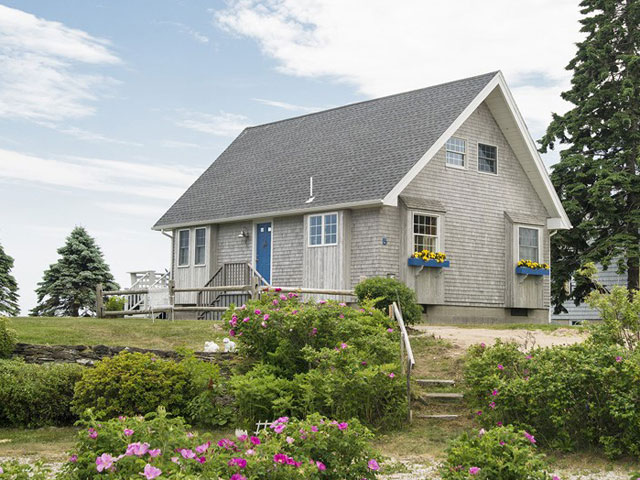 Tiny Beach Cottage In Maine Tiny Homes For Sale