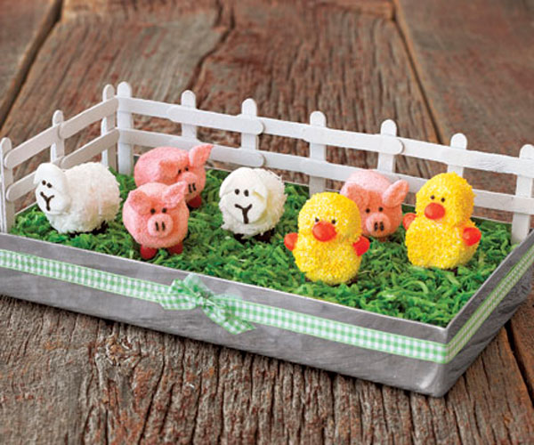 Easy Spring Decorating Ideas: How To Make A Marshmallow Barnyard Centerpiece