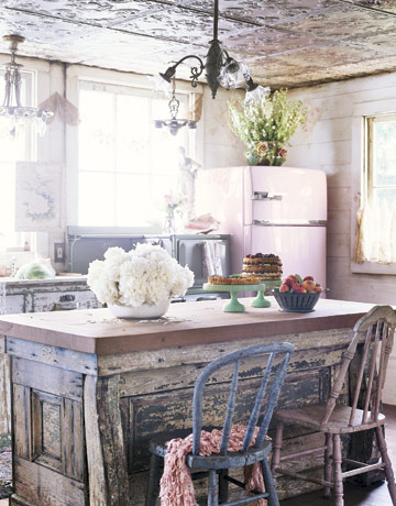 12 shabby chic kitchen ideas decor and furniture for for Country living kitchen designs
