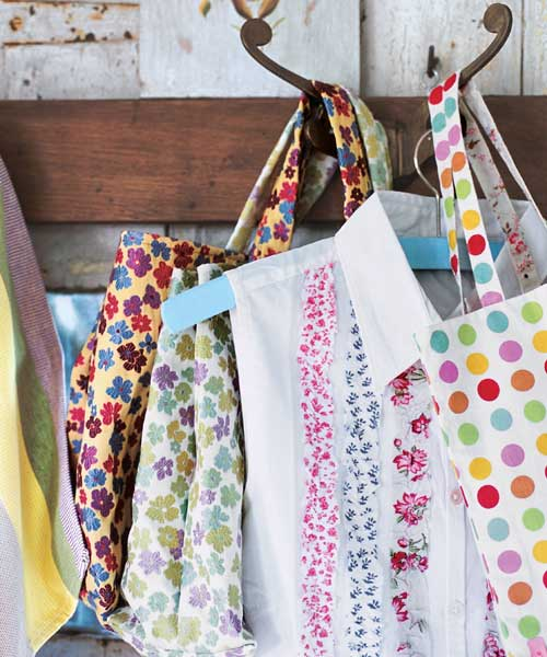 Craft ideas for floral fabrics for Fabric arts and crafts ideas
