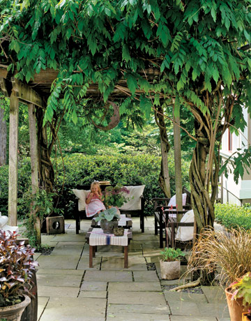 Tour this charming connecticut garden garden design ideas for Pinterest outdoor garden rooms