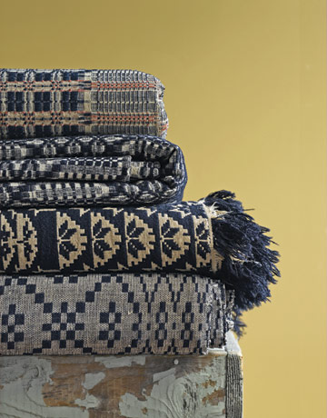 American Coverlet Styles And Signatures