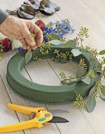 How To Make A Fresh Floral Wreath