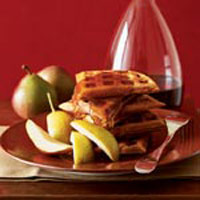 Pumpkin Waffles - Spiced Pumpkin Waffle Recipe
