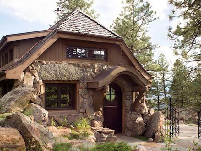 Astounding Look Inside This Tiny Mountain Home Small Cottages Largest Home Design Picture Inspirations Pitcheantrous