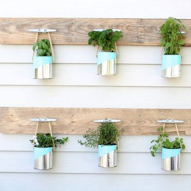 15 Outdoor Wedding Ideas That Are Totally Genius: Upcycled Home Projects
