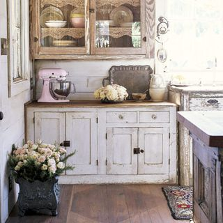 Bring The Rustic Yet Feminine Style Into Your Cooking Space With These  Decorating Ideas