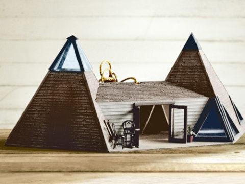 15 Outrageous Custom Birdhouses Decorative Bird Houses