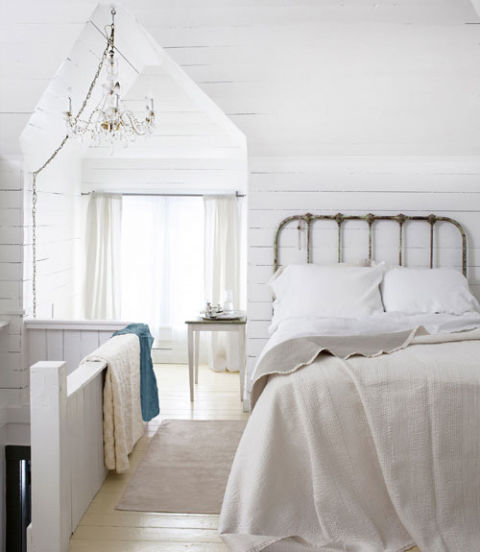 Maine country cottage decorating ideas for country cottage decor - 20 White Bedrooms Ideas For White Bedroom Decor